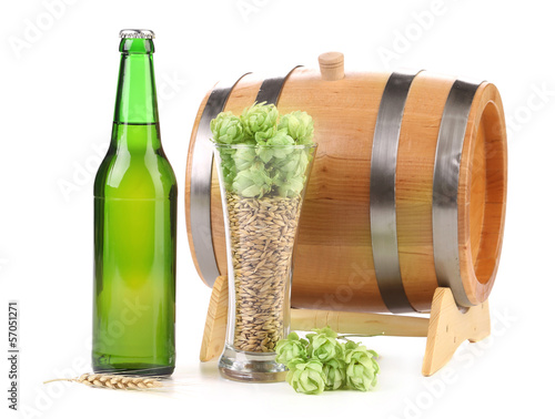 Barrel mug with barley hop.