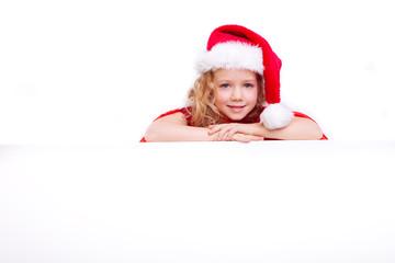 kind mit weihnachtsmütze copy space