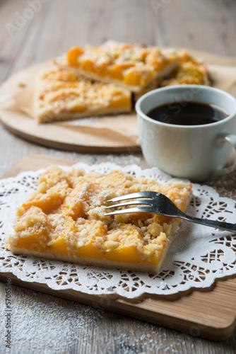 Streuselkuchen mit Pfirsichen