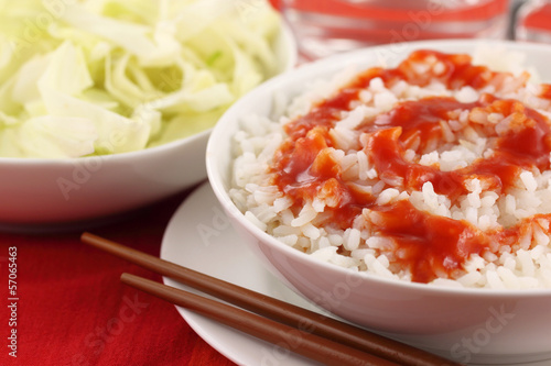 Fresh rice with sauce