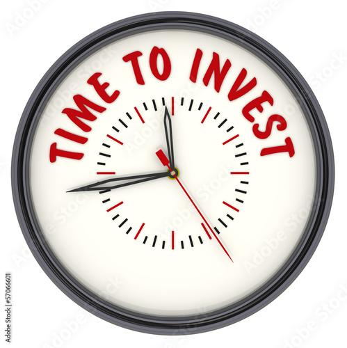 Часы с надписью TIME TO INVEST (Время инвестировать)