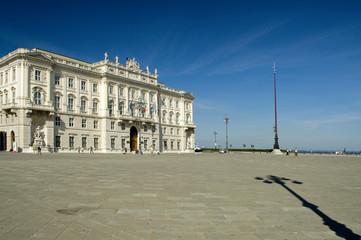 Trieste - palazzo Lloyd Triestino