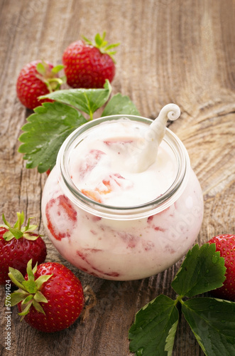strawberry yoghurt