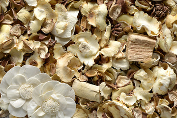 Natural dried floral potpourri