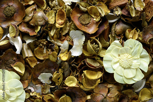 Natural brown potpourri