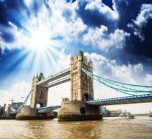 Belle vue sur la magnifique Tower Bridge, icône de Londres, Royaume-Uni.