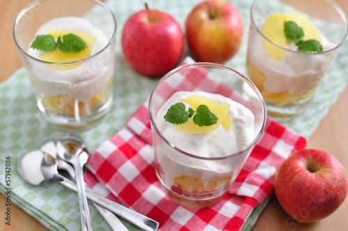 Apfel Tiramisu Dessert