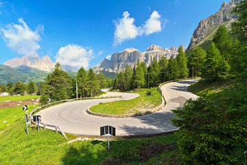 Dolomiti - road to Pordoi pass