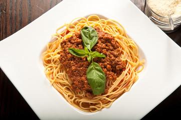 spaghetti al ragù , spaghetti alla bolognese