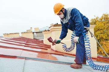 builder roofer painter worker
