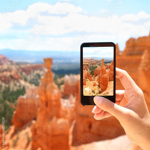 Smart phone camera taking photo, Bryce Canyon