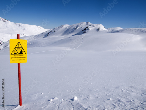 The end of the controlled ski area
