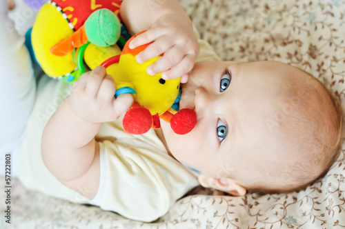 baby biting toy