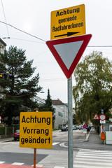 Verkehrsschilder und Vorschriftzeichen