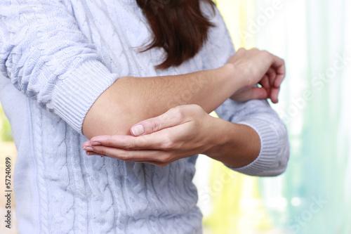 canvas print picture Frau mit Gelenkbeschwerden - woman elbow joint complaints