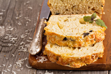 Savoury loaf cake with cheese and olives