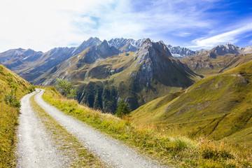 Strada sterrata di montagna