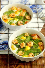 eggs baked in the oven with pepper and shrimp