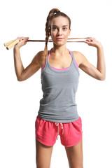 kobieta ćwiczy ze skakanką