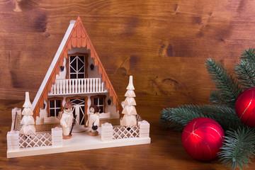 Lichterhaus mit Tannenzweig zur Weihnacht