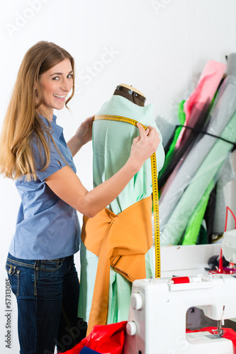 Freelancer - Fashion designer or Tailor working