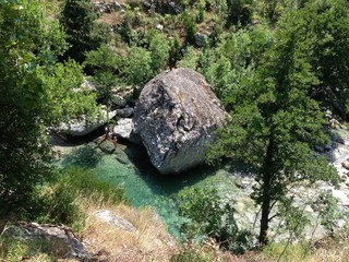 Bassin turquoise de la Restonica en Corse