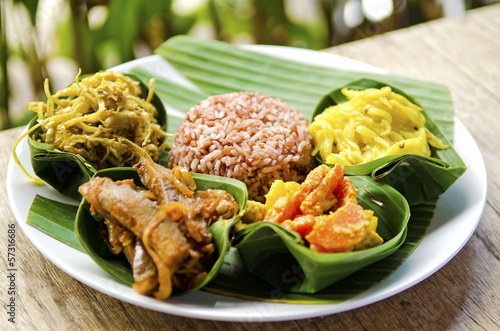 Foto op Plexiglas Indonesië traditional vegetarian curry with rice in bali indonesia