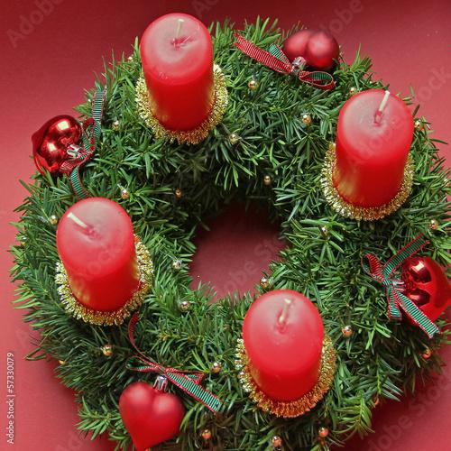 weihnachtlicher Kerzenkranz