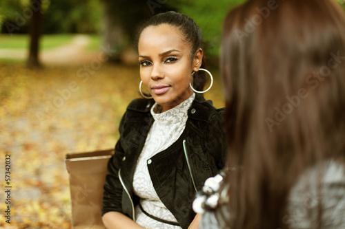 Junge Frauen im Park