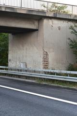 Schäden an Autobahnbrücke