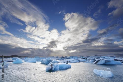 Tuinposter Gletsjers Melting icebergs at Jokulsarlon lagoon iceland