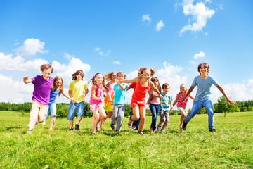 Many kids running