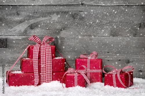 Christmas Shopping - Rote Geschenke zu Weihnachten als Gutschein