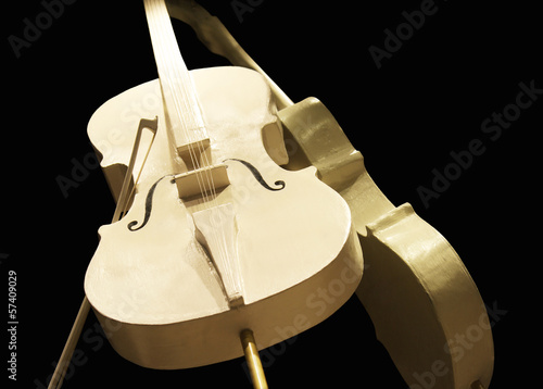 Golden cellos