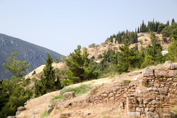 Греция, античные Дельфы. Руины в археологической зоне