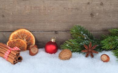 Weihnachtliches Arrangement (IX)