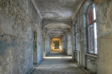 Altes verlassenes Krankenhaus