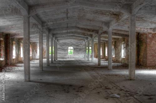 Leinwandbild Motiv Verlassene alte Lagerhalle