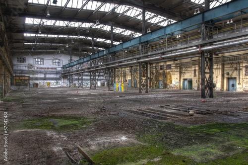 Leinwanddruck Bild Baufällige Halle