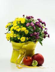 Chrysantheme herbstlich dekoriert