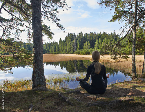 Joga relaxation by the lake