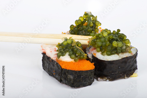 grapes seaweed shushi