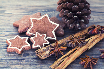 Cookies, star anise, cinnamon, pine