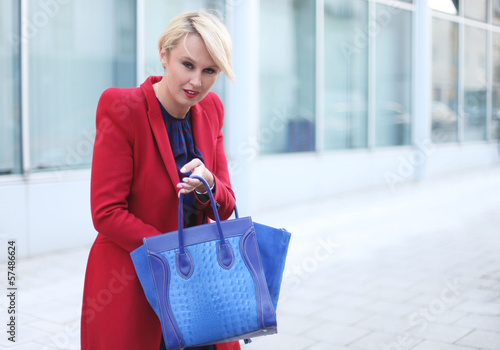 moderne junge Frau