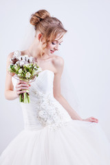 Bride portrait.Wedding dress. Wedding flowers