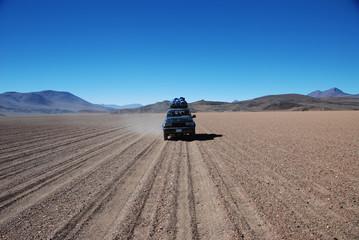 Jeep in the desert, Bolivia