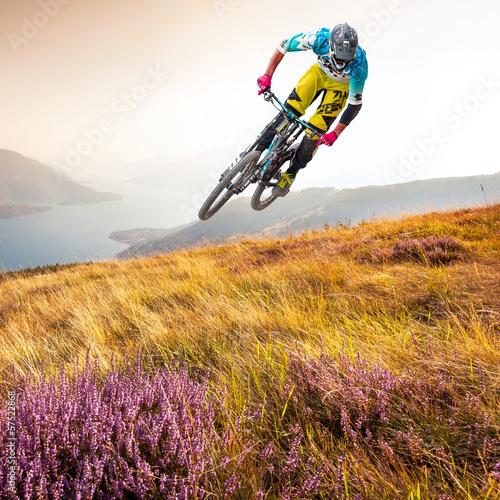 Fotobehang Fietsen biker & lago di Como