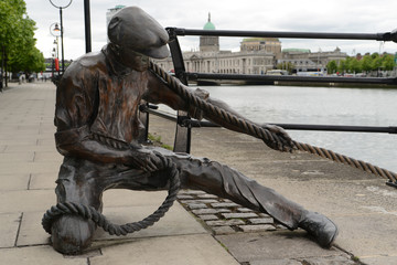 Linesman pulling rope. Dublin