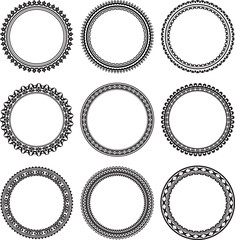 Set of 9 round frames