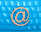 email icon on a keyboard